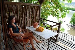La Case du Pecheur - Women relaxing on Terrace